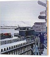Crossroads In Iceland Wood Print by Wernher Krutein