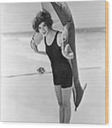 Fanny Brice And Beach Toy Wood Print by Underwood Archives