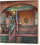House - Porch - Metuchen Nj - That Yule Tide Spirit Wood Print by Mike Savad