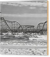 Hurricane Sandy Jetstar Roller Coaster Black And White Wood Print by Jessica Cirz