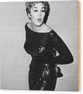 Kim Novak Holding Oscar, Circa 1950s Wood Print by Everett