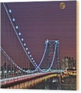 Moon Rise Over The George Washington Bridge Wood Print by Susan Candelario