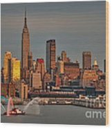 New York City Sundown On The 4th Wood Print by Susan Candelario