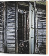 Old Abandoned Well House With Door Ajar Wood Print by Edward Fielding
