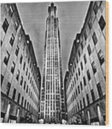 Rockefeller Centre Wood Print by John Farnan