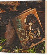 Rusted Can Of Leaves Wood Print by Jack Zulli