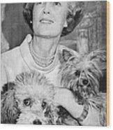 First Lady Patricia Nixon With Pet Wood Print by Everett