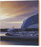 Jumeirah Beach Hotel At Sunrise Wood Print by Jeremy Woodhouse