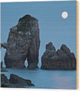 Moonset In Gaztelugache Wood Print by Pere Soler