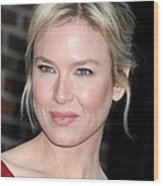 Renee Zellweger At Talk Show Appearance Wood Print by Everett