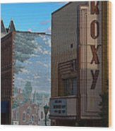 Roxy Theater And Mural Wood Print by Ed Gleichman
