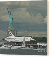 Shuttle Enterprise 3 Wood Print by Tom Callan