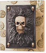 Skull Box With Skeleton Key Wood Print by Garry Gay