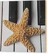 Starfish Piano Wood Print by Garry Gay