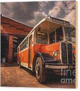 Vintage Bus  Wood Print by Rob Hawkins