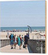 Walking To The Beach Wood Print by Susan Stevenson