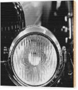 1925 Lincoln Town Car Headlight Wood Print by Sebastian Musial
