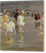 Children On The Beach Wood Print by Edward Henry Potthast