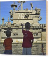 Children Wave As Uss Ronald Reagan Wood Print by Stocktrek Images