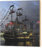 Ship In The Bay Wood Print by David Lee Thompson