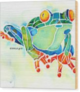Tree Frog In Greens Wood Print by Jo Lynch