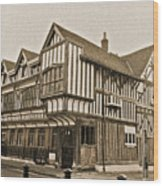 Tudor House Southampton Wood Print by Terri Waters