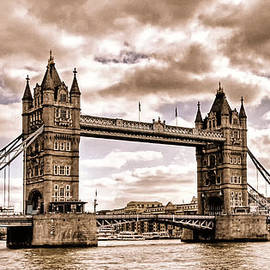 Vintage Tower Bridge by Claudio Bacinello