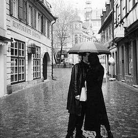 Cindy Nearing - A Kiss in the Rain - Black and White
