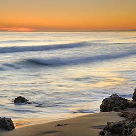 Artola beach by Guido Montanes Castillo