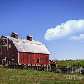 Colorado Red Barn by Janice Pariza