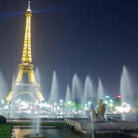 Eiffel Tower by Allen Pan