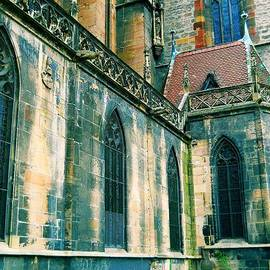 Maria Huntley - Five Window Arches