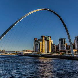 Trevor Kersley - Gateshead Millenium Bridge