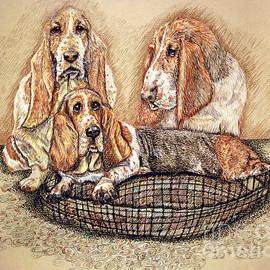 Hess'er Puppies by Linda Simon