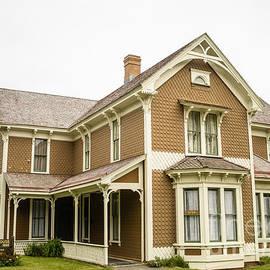 Hughes House by Tracy Knauer