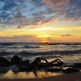 Kauai Sunrise by Kelly Wade