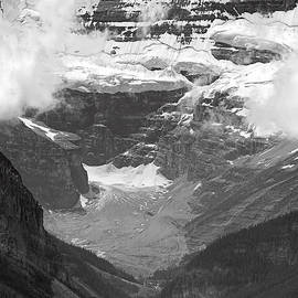 Lake Louise by RicardMN Photography