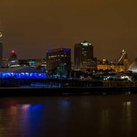 Milwaukee Skyline by Chuck De La Rosa