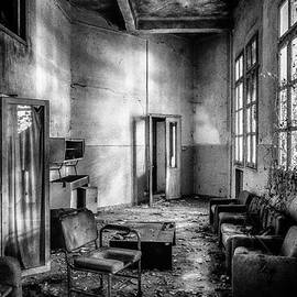 This is the way step inside by Traven Milovich