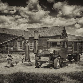 Greg Kluempers - 1927 Dodge Braham Bodie CA sepia IMG 7299