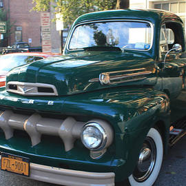 John Telfer - 1952  Ford Pick up Truck Front and Side View