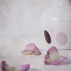 Joana Kruse - petals