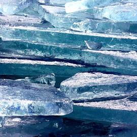 Amanda Stadther - Plate Ice