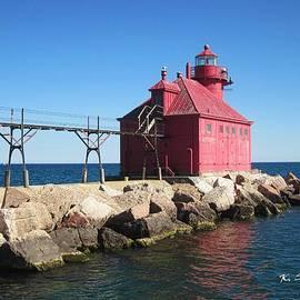 Sturgeon Bay Lighthouse by Kelly Schutz