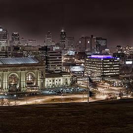 Taylor Franta - Union Station Night