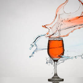 Andy Astbury - Liquid Splash Wine Glass