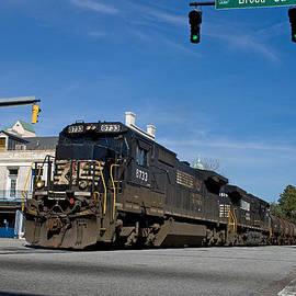 Joseph C Hinson Photography - 6th Street Train