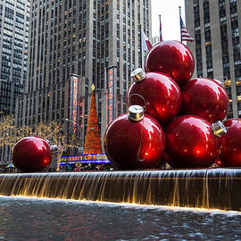 A Christmas Card from New York City - Radio City Music Hall and the Giant Red Balls
