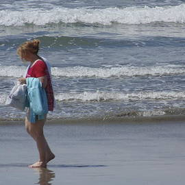 Randal Higby - A Walk on Coronado Beach