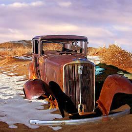Bob and Nadine Johnston - Abandoned for Almost 100 Years on Route 66